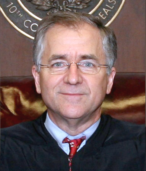 Photo of Chief Justice Tom Gray